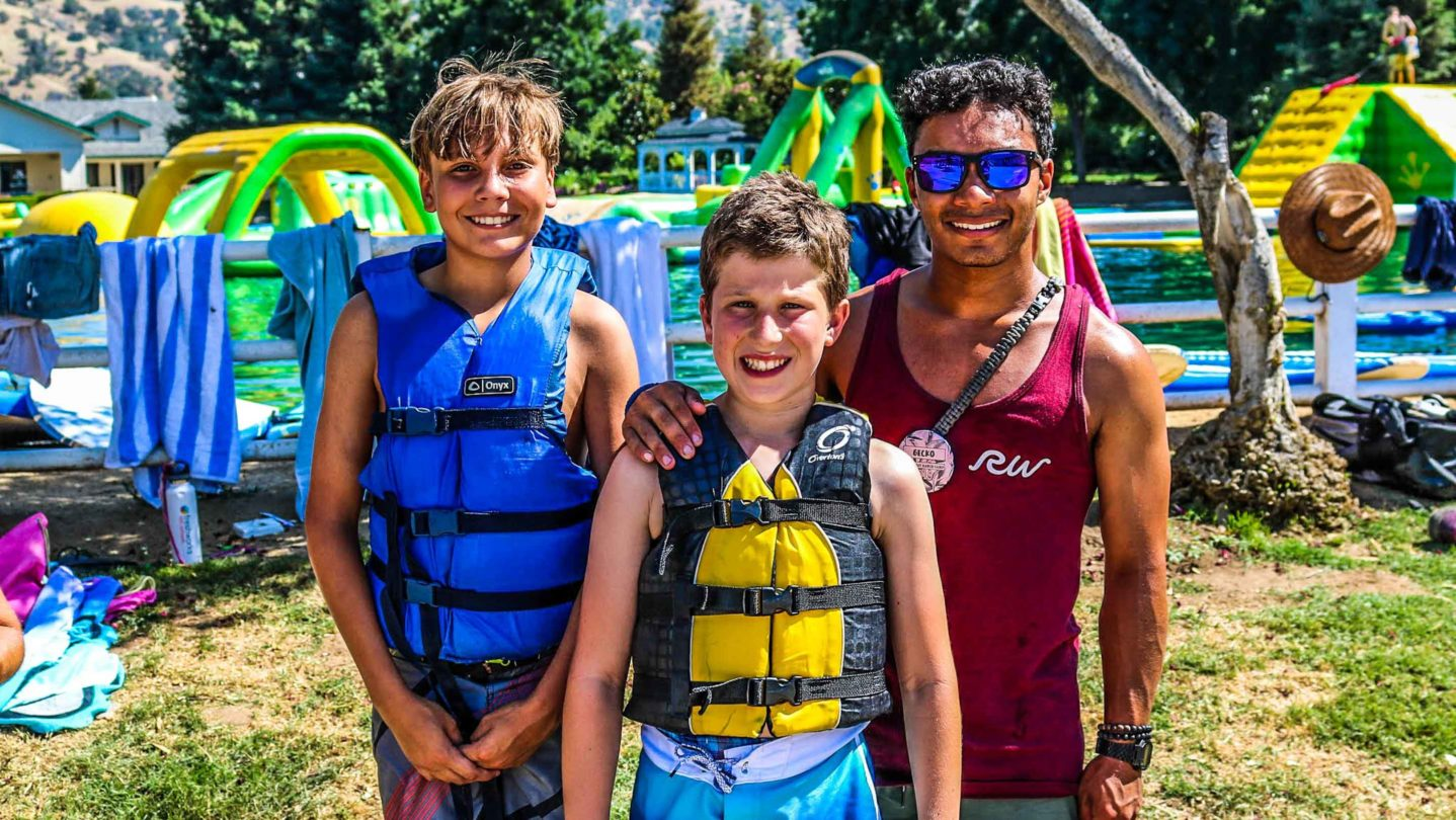 Campers posing with lifevests